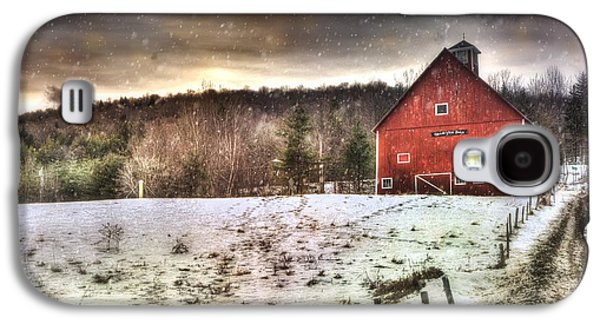 Red Barn In Winter Photographs Galaxy S4 Cases - Grand View Farm - Vermont Red Barn Galaxy S4 Case by Joann Vitali