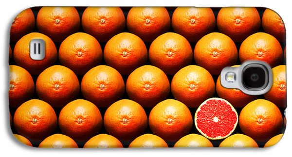 Crosses Photographs Galaxy S4 Cases - Grapefruit slice between group Galaxy S4 Case by Johan Swanepoel