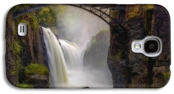 Susan Candelario Galaxy S4 Cases - Great Falls Mist Galaxy S4 Case by Susan Candelario