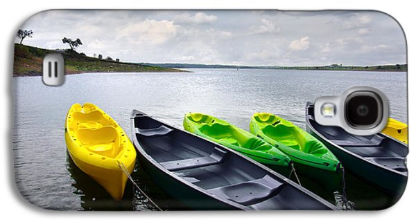 Exercise Photographs Galaxy S4 Cases - Green and yellow kayaks Galaxy S4 Case by Carlos Caetano