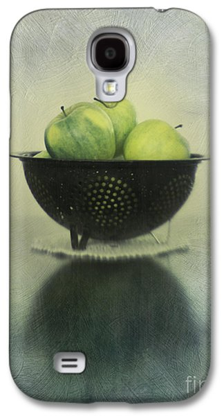 Life Photographs Galaxy S4 Cases - Green apples in an old enamel colander Galaxy S4 Case by Priska Wettstein