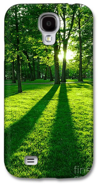 Sun Photographs Galaxy S4 Cases - Green park Galaxy S4 Case by Elena Elisseeva