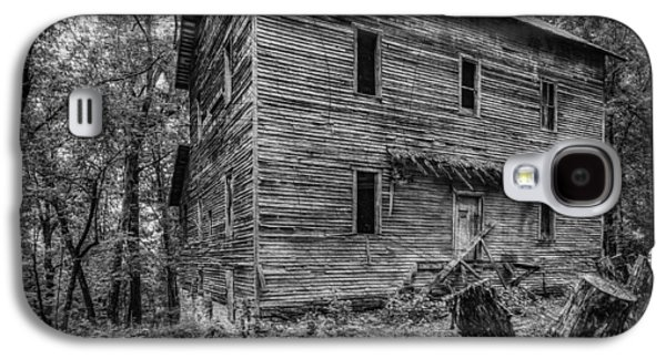 Split Rail Fence Galaxy S4 Cases - Greer Mill Black and white Galaxy S4 Case by Paul Freidlund