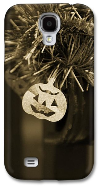Halloween Photographs Galaxy S4 Cases - Halloween Greetings Galaxy S4 Case by Marianna Mills
