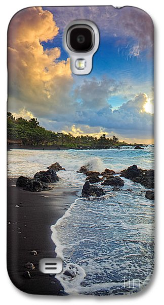 Wavy Galaxy S4 Cases - Hana Clouds Galaxy S4 Case by Inge Johnsson