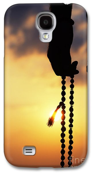 Rosary Galaxy S4 Cases - Hand holding Rudraksha beads Galaxy S4 Case by Tim Gainey