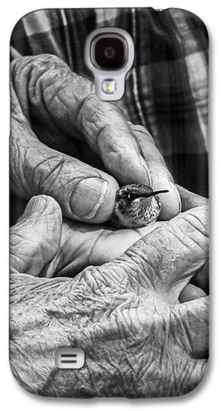 Hands Holding A Hummingbird Galaxy S4 Case by Jon Woodhams