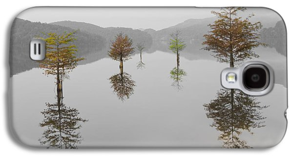 Landscapes Photographs Galaxy S4 Cases - Hanging Garden Galaxy S4 Case by Debra and Dave Vanderlaan