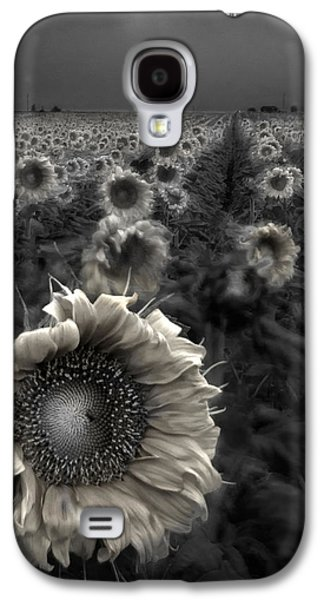 Sun Photographs Galaxy S4 Cases - Haunting Sunflower fields 1 Galaxy S4 Case by Dave Dilli