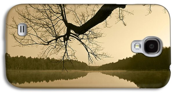 Contemplative Photographs Galaxy S4 Cases - Hewitt Pond Galaxy S4 Case by David Gordon