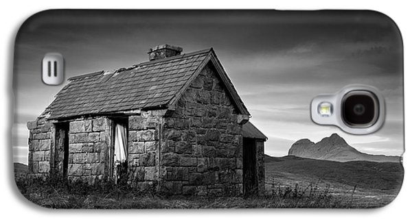 Abandoned House Photographs Galaxy S4 Cases - Highland Cottage 1 Galaxy S4 Case by Dave Bowman