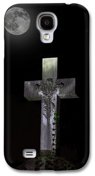 Final Resting Place Galaxy S4 Cases - Hollywood Cemetery Full Moon Galaxy S4 Case by Jemmy Archer
