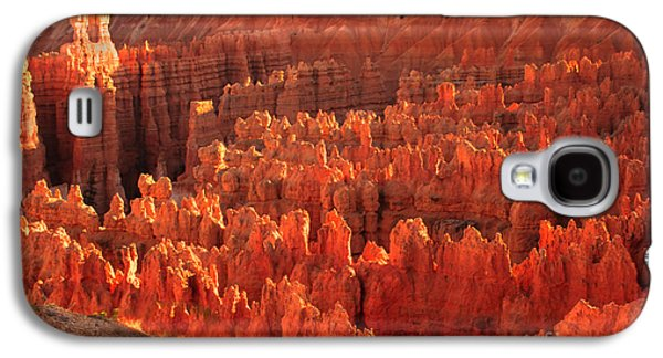 Haybale Photographs Galaxy S4 Cases - Hoodoos Basin Galaxy S4 Case by Robert Bales