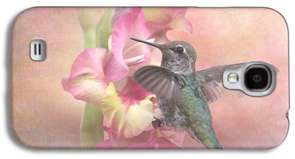 Gladiolas Galaxy S4 Cases - Hummingbirds Gladiola Galaxy S4 Case by Angie Vogel