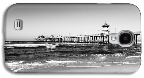 Getaway Galaxy S4 Cases - Huntington Beach Pier Black and White Picture Galaxy S4 Case by Paul Velgos