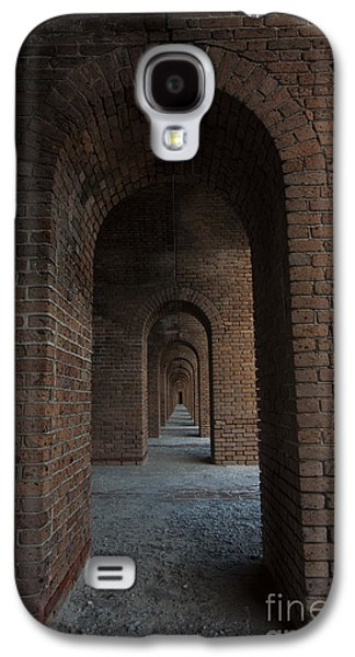 Interior Scene Photographs Galaxy S4 Cases - Infinite ArchS Galaxy S4 Case by Keith Kapple
