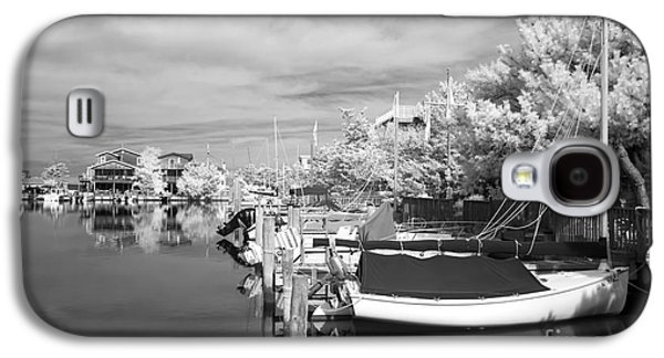 Boats At Dock Galaxy S4 Cases - Infrared Boats at LBI bw Galaxy S4 Case by John Rizzuto