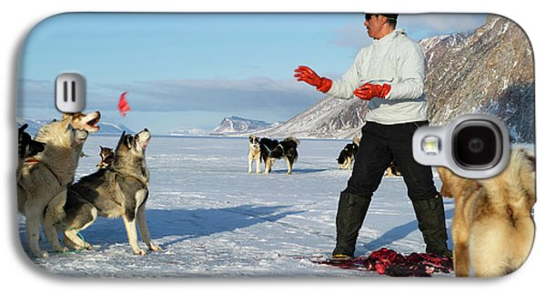 Inuit Hunter Feeding Walrus Meat To Dogs Galaxy S4 Case by Louise Murray