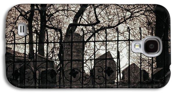 Headstones Galaxy S4 Cases - Jewish Cemetery Prague Galaxy S4 Case by Joan Carroll
