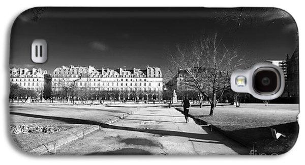Jogging Galaxy S4 Cases - Jogging in Paris Galaxy S4 Case by John Rizzuto