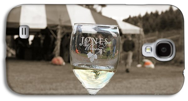 Jones Winery Glass.02 Galaxy S4 Case by John Turek
