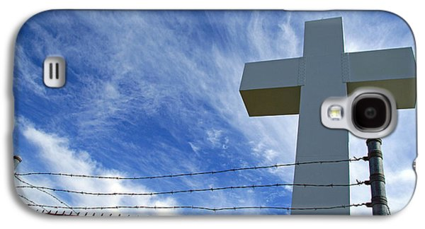 Crucifixtion Galaxy S4 Cases - Jumonville Cross -- The Crucifixion of Christ Galaxy S4 Case by Cora Wandel