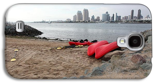 Gas Lamp Photographs Galaxy S4 Cases - Kayaks On Coronado Island Overlooking The San Diego Skyline 5D24369 Galaxy S4 Case by Wingsdomain Art and Photography