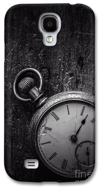 Keeping Time Black And White Galaxy S4 Case by Edward Fielding