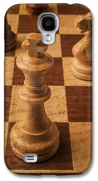 Knight Photographs Galaxy S4 Cases - King Of Chess Galaxy S4 Case by Garry Gay