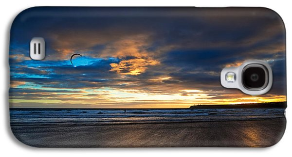 Kite Surfing Galaxy S4 Cases - Kite Surfers On Tramore Beach Galaxy S4 Case by Panoramic Images