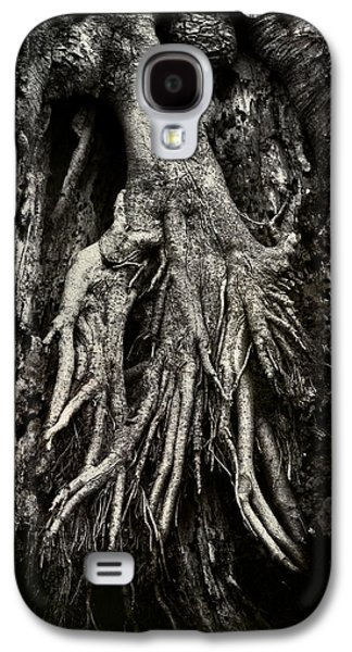 Tree Roots Photographs Galaxy S4 Cases - Kneeling at the Feet of the Green Man Galaxy S4 Case by Rebecca Sherman