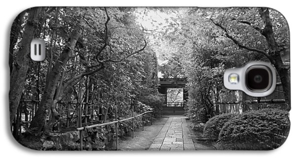 Bamboo Fence Galaxy S4 Cases - Koto-in Temple Stone Path Galaxy S4 Case by Daniel Hagerman