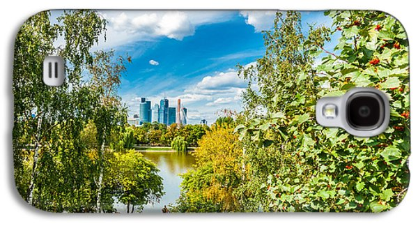 Nature Center Pond Galaxy S4 Cases - Large Novodevichy pond of Moscow - 3 Galaxy S4 Case by Alexander Senin