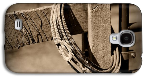 Old Fence Posts Galaxy S4 Cases - Lasso on Fence Post Rustic Galaxy S4 Case by Paul Ward