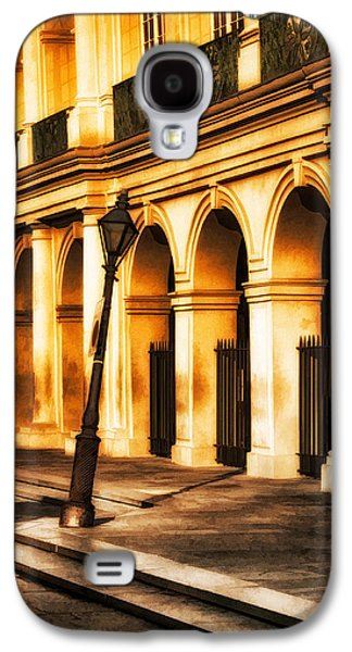 Brenda Bryant Photography Galaxy S4 Cases - Leaning Lamp Post Galaxy S4 Case by Brenda Bryant