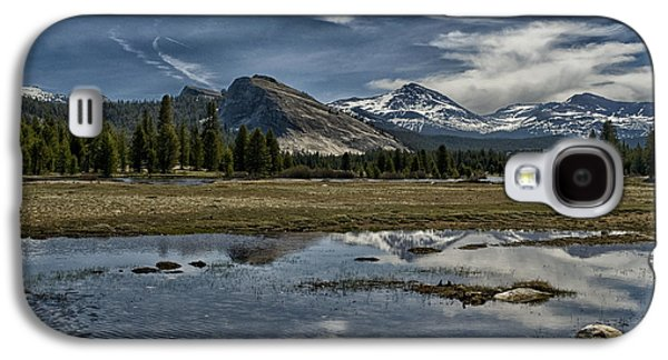 Cloudy Day Galaxy S4 Cases - Lembert Dome and Tuolumne Meadows Galaxy S4 Case by Cat Connor