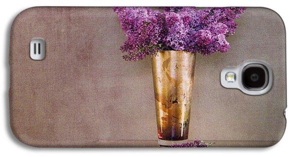 Lilacs Galaxy S4 Cases - Lilacs in Vase 1 Galaxy S4 Case by Rebecca Cozart