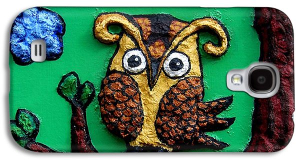 Yellow Beak Paintings Galaxy S4 Cases - Lint Owl Detail Galaxy S4 Case by Genevieve Esson