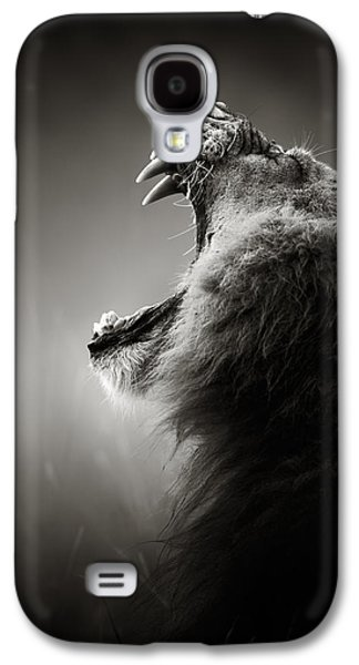 Action Photographs Galaxy S4 Cases - Lion displaying dangerous teeth Galaxy S4 Case by Johan Swanepoel