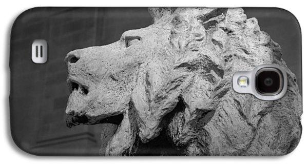 Bronze Galaxy S4 Cases - Lion of the Art Institute Chicago B W Galaxy S4 Case by Steve Gadomski