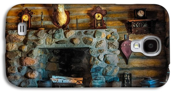 Log Cabin Interiors Galaxy S4 Cases - Log Cabin with Fireplace Galaxy S4 Case by Paul Freidlund