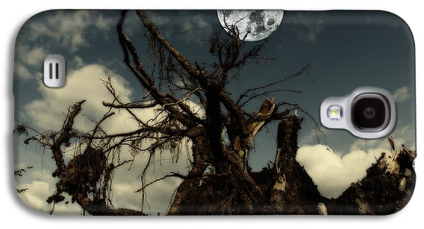 Tree Roots Photographs Galaxy S4 Cases - Lonely Tree Roots Reaching For A Full Moon Galaxy S4 Case by Christian Lagereek