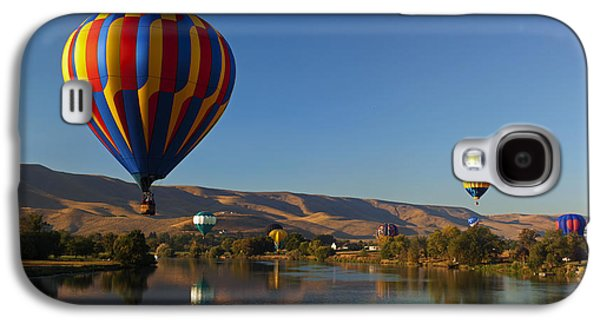 Hot Air Balloon Galaxy S4 Cases - Looking for a Place to Land Galaxy S4 Case by Mike  Dawson