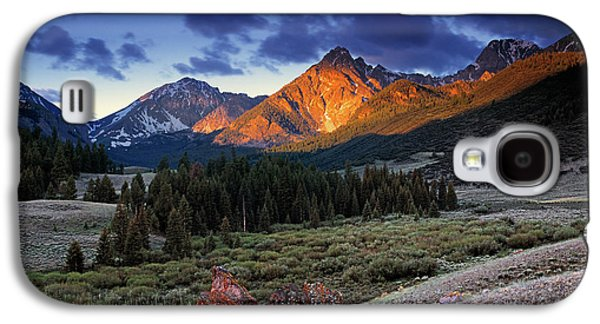 Photo Photographs Galaxy S4 Cases - Lost River Mountains Galaxy S4 Case by Leland D Howard