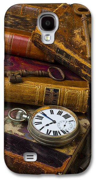 Idea Photographs Galaxy S4 Cases - Love old books Galaxy S4 Case by Garry Gay