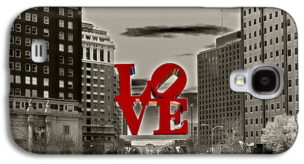 Phillies Galaxy S4 Cases - Love Sculpture - Philadelphia - BW Galaxy S4 Case by Lou Ford