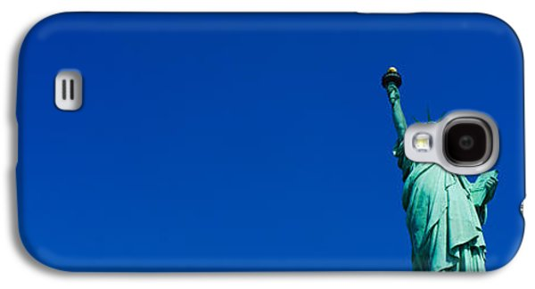 Statue Galaxy S4 Cases - Low Angle View Of Statue Of Liberty Galaxy S4 Case by Panoramic Images
