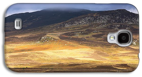 Mountain Valley Galaxy S4 Cases - Low cloud over Highlands Galaxy S4 Case by Jane Rix