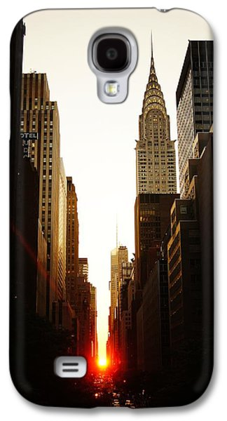 Sun Photographs Galaxy S4 Cases - Manhattanhenge Sunset and the Chrysler Building  Galaxy S4 Case by Vivienne Gucwa