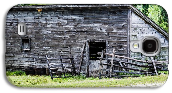 Slavery Galaxy S4 Cases - Philipsburg Manor - Wooden Barn Galaxy S4 Case by Black Brook Photography